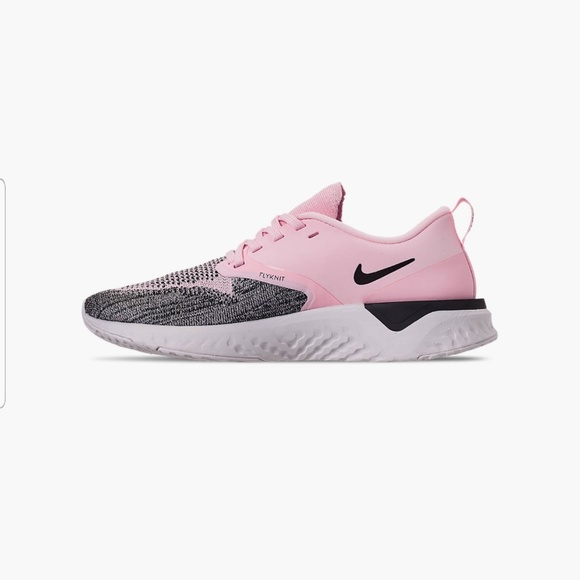 WOMEN NIKE Odyssey react flynit 2 running shoes NWT